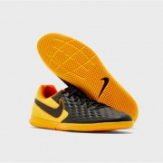 Футзалки TIEMPO LEGEND 8 CLUB AT6110-008 Nike